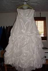 Gorgeous Ivory Wedding Dress Size 22 $700 OBO