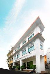 First Media Design School (Singapore)